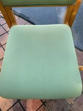 汚れた椅子をクリーニングでキレイにする方法