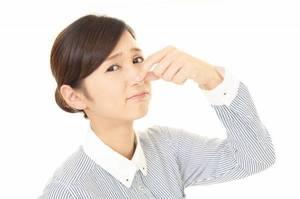 ルームエアコン臭いの原因と解決方法についてご紹介いたします。