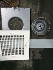 愛知県日進市オフィスビルの『トイレ換気扇清掃』